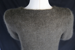 Grey_sweater_8_small2