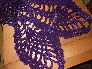 Lacy_pineapple_scarf_3_small2