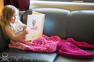 Tara_s_mermaid_tail_blanket-7_small2