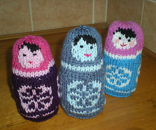A_trio_of_russian_dolls_small2