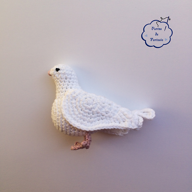 Ravelry: Paloma Blanca / White Dove pattern by Puntos de Fantasía