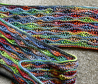 Bright_lizard_scarf_06-17-14_close_small2