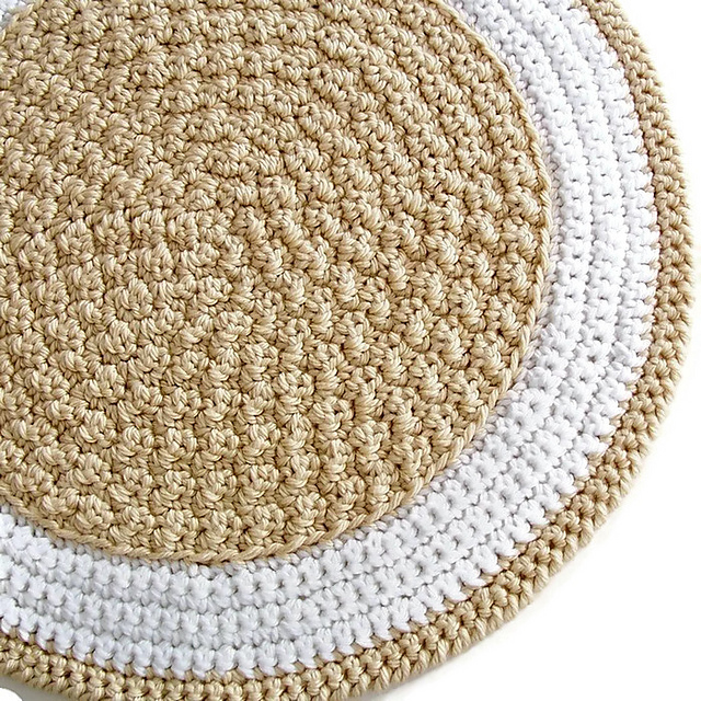 Ravelry Round Crochet Rug A Quick To Stitch Project Pattern By