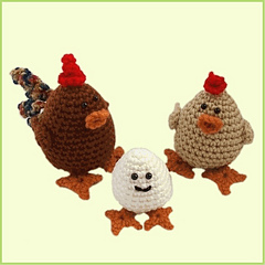 New_bckgrd_chicken_family_w_bord_small