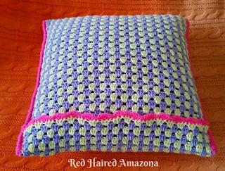 Neon_pop__gungham_crochet_cushion_by_red_haired_amazona__crochetpattern_1_small2