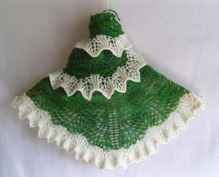 Green_beer_shawlette_097_small2