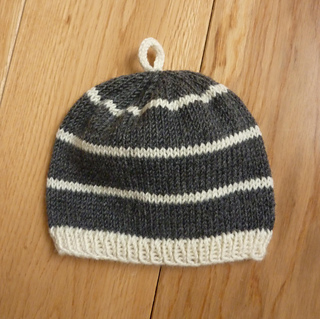 Striped_baby_hat_photo_small2