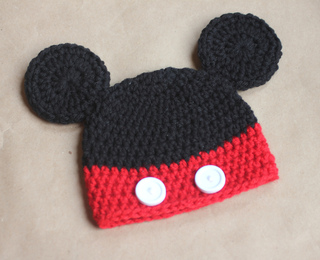 781db94f536fc Ravelry  Mickey and Minnie Mouse Hats pattern by Sarah Zimmerman