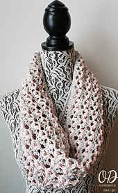 Love_is_in_the_air_cowl_oombawka_design_small_best_fit