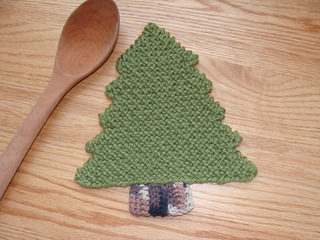 Pine_tree_trivet_-_staged_small2