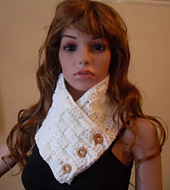Basketweave_neckwarmer_front_no_coat_small_best_fit