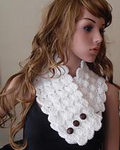 Crochet_neckwarmer_front_1_small_best_fit