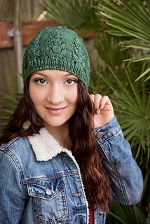Knittingbee-knit-01_small2