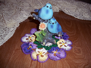 Pansies_and_birds_ravelry_100_3263_small2