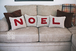 Noel_pillows_1_small_best_fit