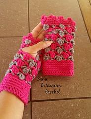 Floating_petals_fingerless_gloves_1_small