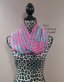 Candy_stripes_cowl_small2