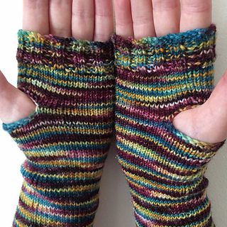 Simple_fingerless_mitts__1___999x1000__small2