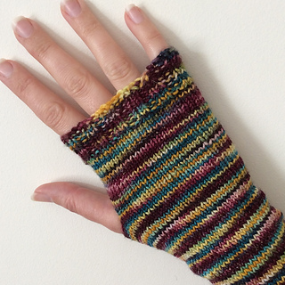 Simple_fingerless_mitts__2___1000x999__small2