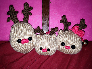 Reindeer_family1_small2