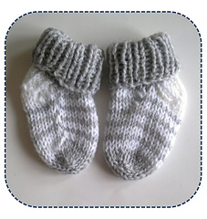 df8e81744 Simple striped baby socks pattern by A la Sascha - Ravelry