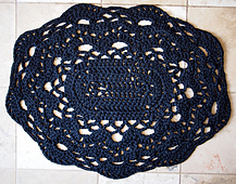 Spaghetti_lace_rug_small_best_fit