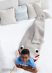 Bernat-blanket-c-fin-tasticsharksleepandsnugglesack-web_small