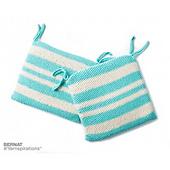 Bernat-makerhomedec-k-knitseatcushion-web2_small_best_fit