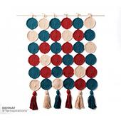 Bernat-supervalue-c-roundincirclescrochetwallhanging-web2_small_best_fit