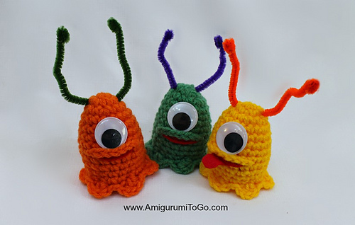 Crochet-alien-slug-easter-egg-cozy_medium