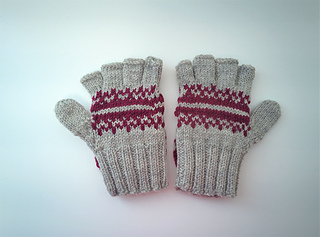 Fairy_tale_gloves_4_small2