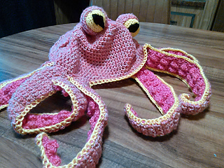 Ravelry  Octopus Hat pattern by Nunyo Business 0335bf56dcd
