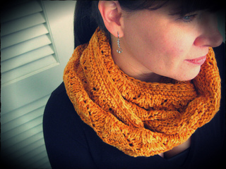 Loralee_cowl3_small2