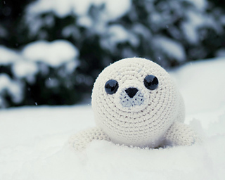 Amigurumi_baby_seal_pattern_small2