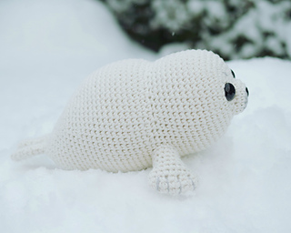 Baby_seal_-_amigurumi_pattern_small2