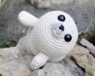Amigurumi_baby_seal_crochet_pattern_small2