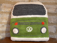 Crocheted_bay_campervan_front_small