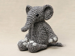 Crochet-elephant-pattern_small