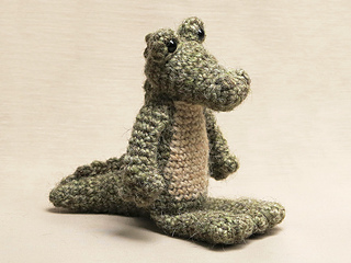 Crochet-crocodile-alligator-pattern_small2