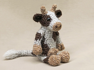 Crochet-cow-amigurumi-pattern_small2