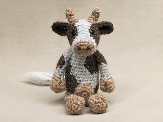 Cow-amigurumi-front_small2