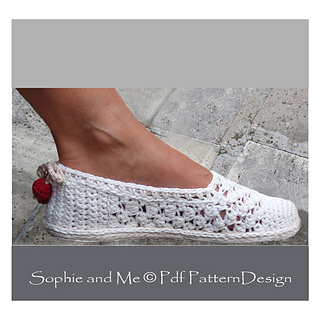 861784467d1364 Ravelry  Lace Slippers pattern by Sophie and Me-Ingunn Santini