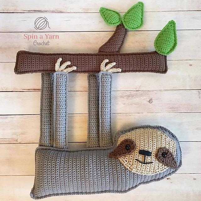 Paresseux crocheté Ragdoll Sloth Spin a Yarn Crochet