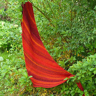 Chilli_linen_weave_outdoors_small2