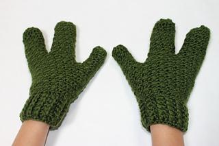 Ravelry Turtleminionalien 3 Finger Crochet Gloves Pattern By