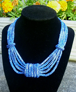 Bow_necklace_3_small2