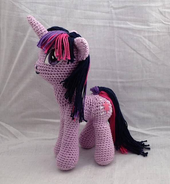 Ravelry: My Little Pony pattern by Rianne de Kok