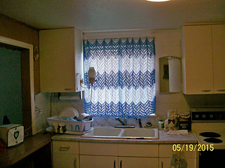 Kitchen_Curtain_window_small2.JPG
