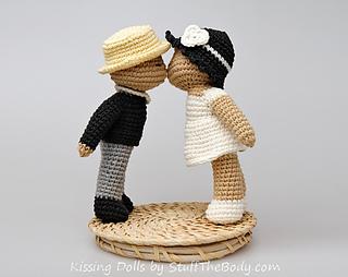 Kissingdolls2_small2