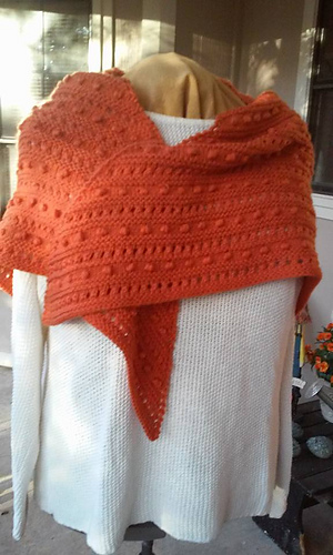 Retro_popcorn_stitch_shawl_1_medium